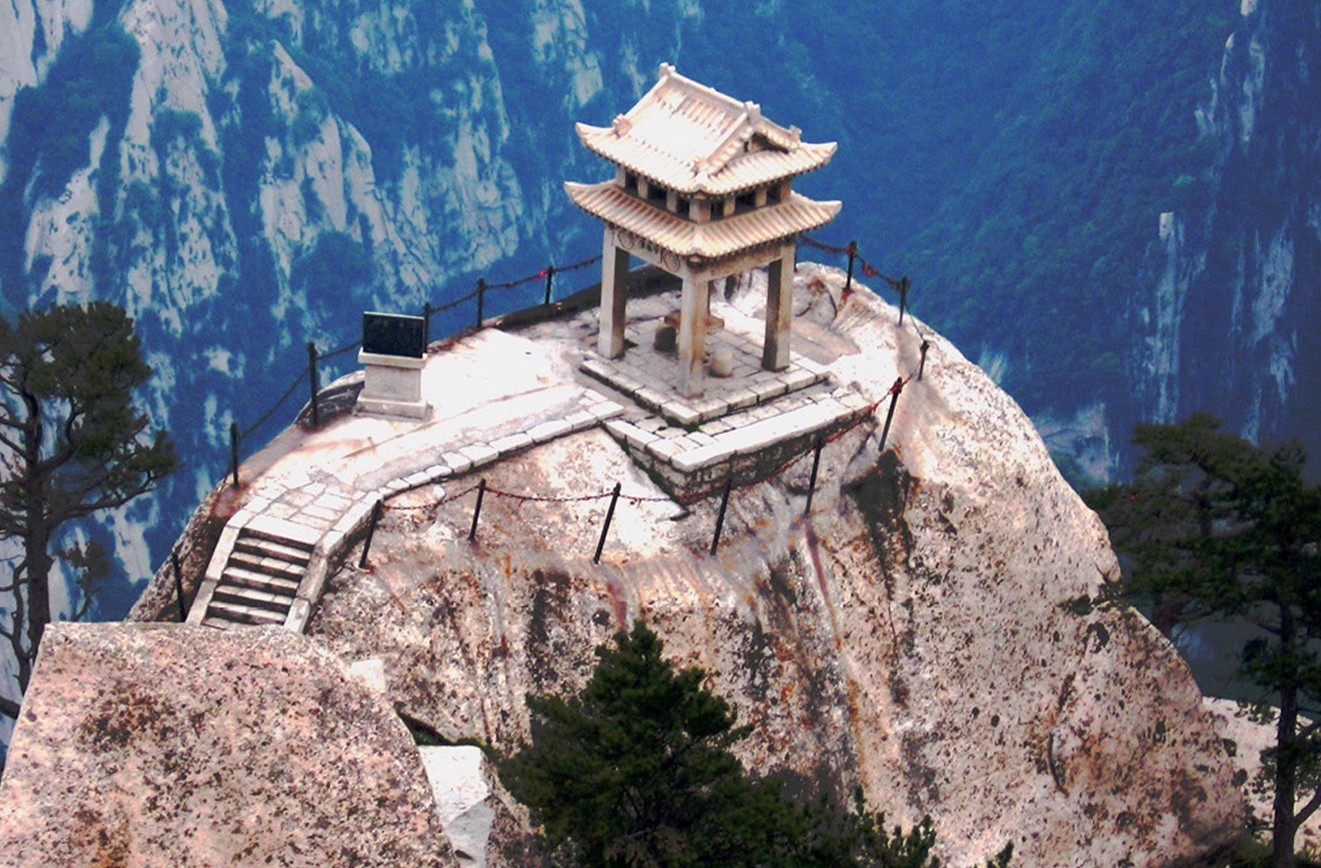 Pagoda a hegycsúcson